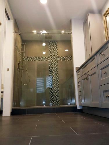 Alexandria Master Bathroom